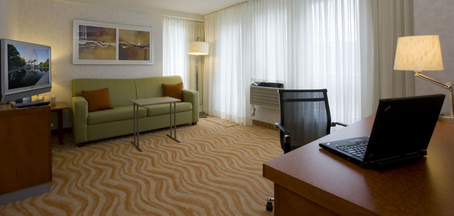 canada_montreal_marriot_spring_hill_suites_lounge.jpg